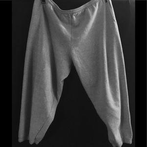 Pants - A pair of sweatpants size 3 XL